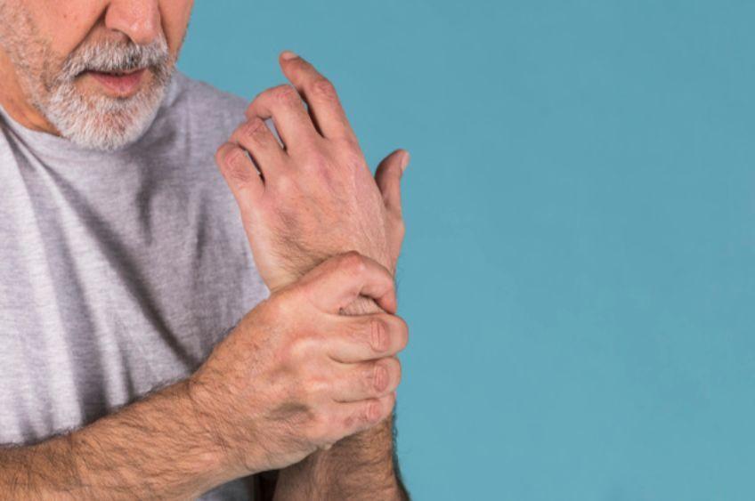 پوکی استخوان: علائم، دلایل و درمان
