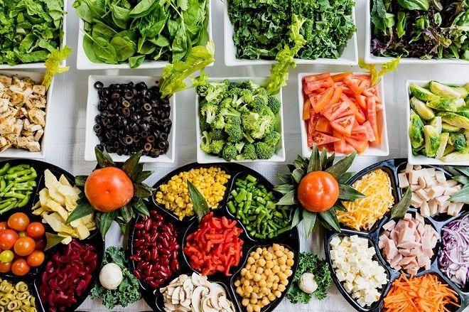 مجموعه-ای-از-سبزیجات-میوه-حبوبات