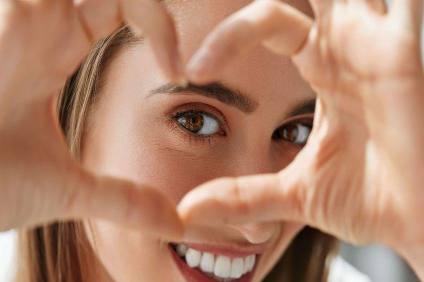 ۸ ماده غذایی مفید برای سلامت چشم